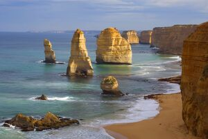 Twelve Apostles - morning at the sandstone rock formations