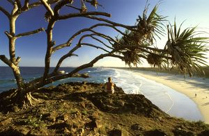 landscapes/au 75 law australia beachgoer enjoying landscape