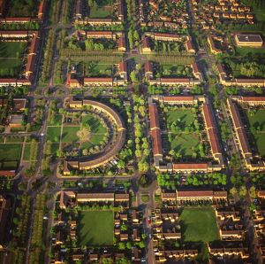 AW-6577 Aerial veiw England - Milton Keynes, housing and gardens