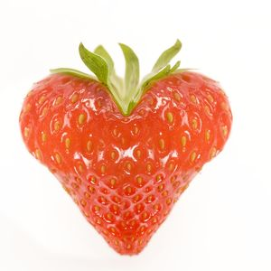 LA-5621 Strawberry - heart-shaped