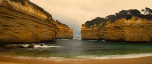 landscapes/loch ard gorge view sandstone cliffs loch ard